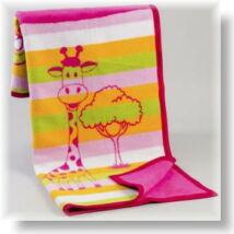Rózsaszín zsiráfos babapléd
