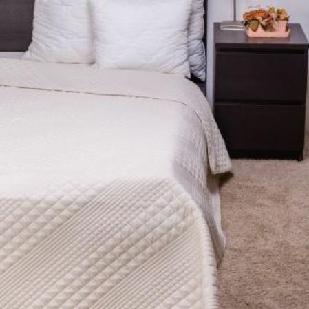 Steppelt törtfehér kockás ágytakaró 140*200 cm