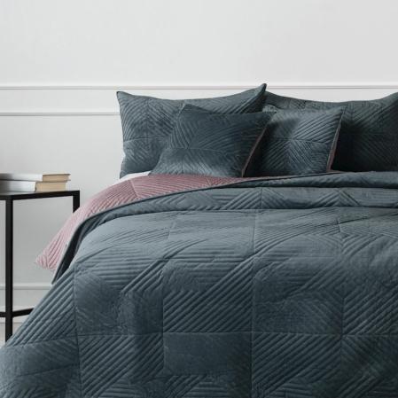 Acélszürke-mályva prémium ágytakaró franciaágyra