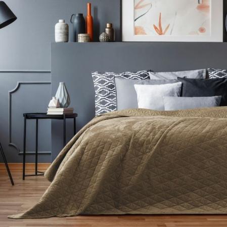 Dohányszínű kétoldalas steppelt ágytakaró