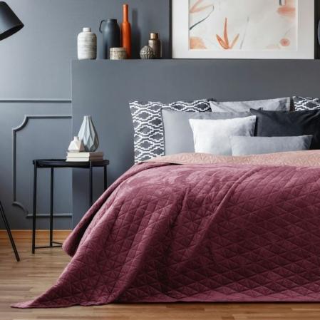 Borvörös kétoldalas steppelt ágytakaró