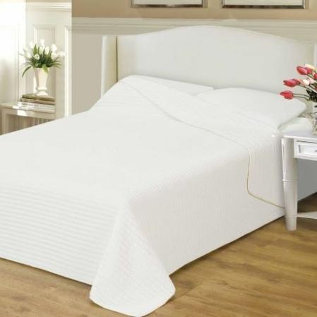 Hófehér ágytakaró