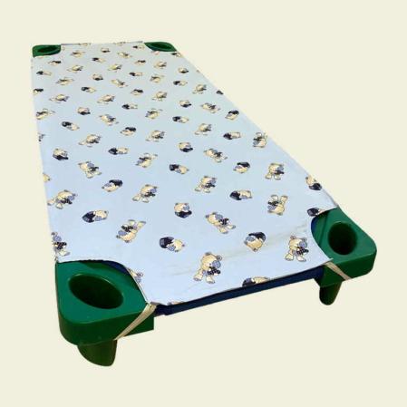 Mackó Berci világoskék pamut lepedő ovis ágyra