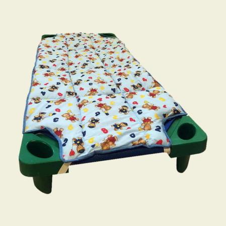 Kék ABCs macis steppeltt derékalj óvodai fektetőre ovis ágyra