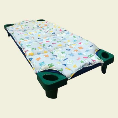 kék ABCs steppeltt derékalj óvodai fektetőre ovis ágyra