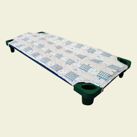 Kék patchwork steppelt derékalj óvodai fektetőre ovis ágyra