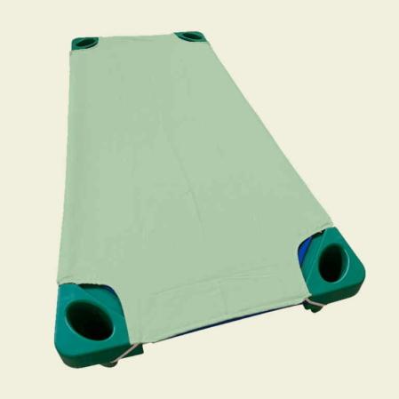 Halvány zöld pamut lepedő ovis ágyra
